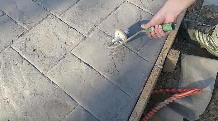 рисунок на бетоне