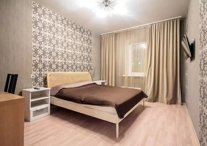 Дизайн комнаты с высокими потолками