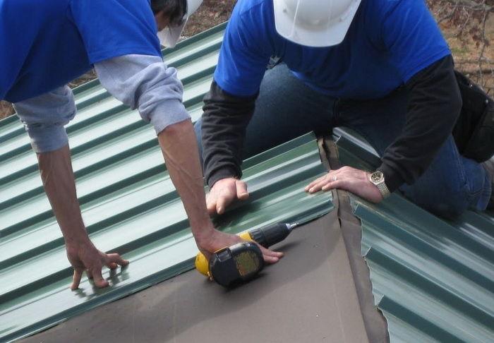 Кроем крышу профнастилом своими руками