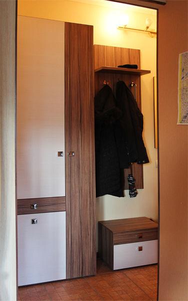 Мебель для прихожей в хрущевке: 10 фото.