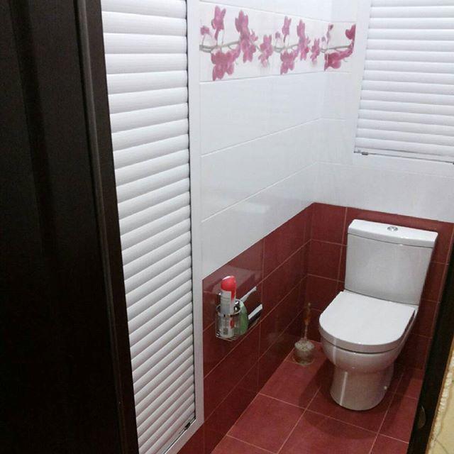 Установить рольставни в туалет