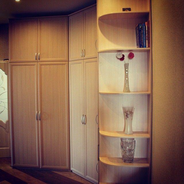 Встроенная мебель для прихожей: 10 фото.