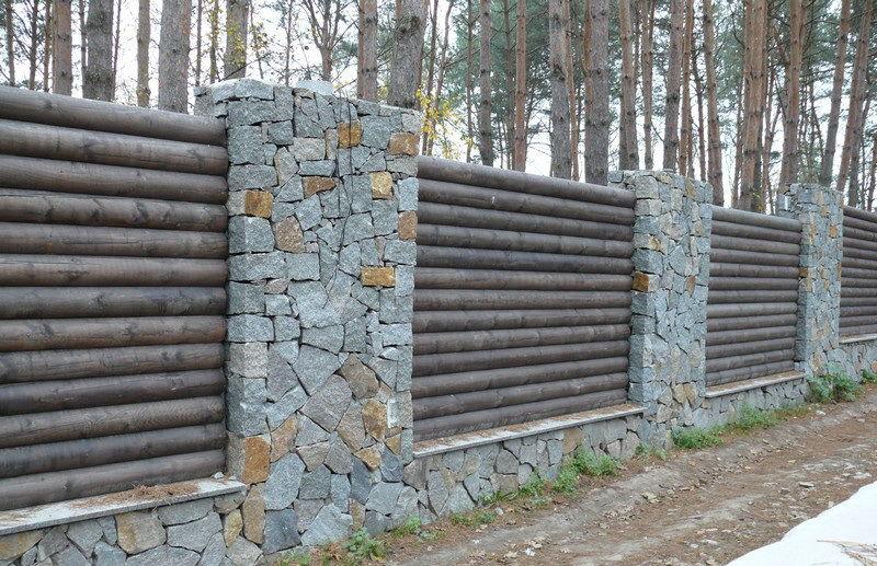 Заборы из натурального камня и дерева фото