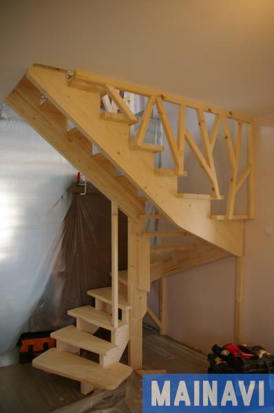 Деревянная лестница из сосны своими руками
