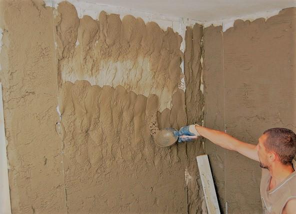 Штукатурка на стенах полосами