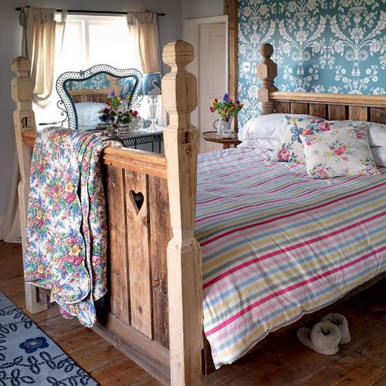 Кровать с пириной