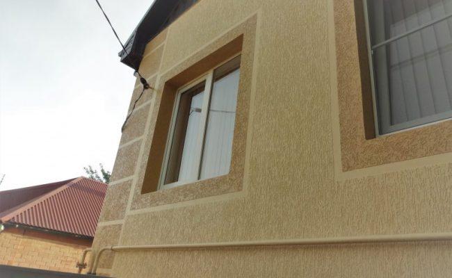 Короед на фасаде дома