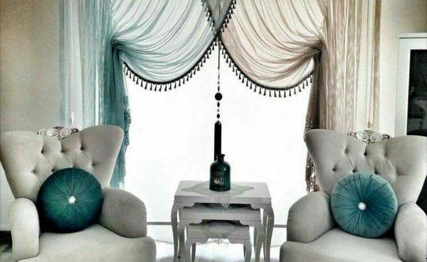Элегантные шторы в зале