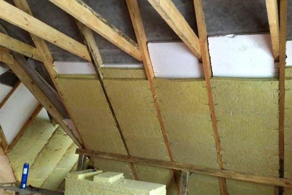 Утепляем мансандру изнутри при покрытой крыше своими руками