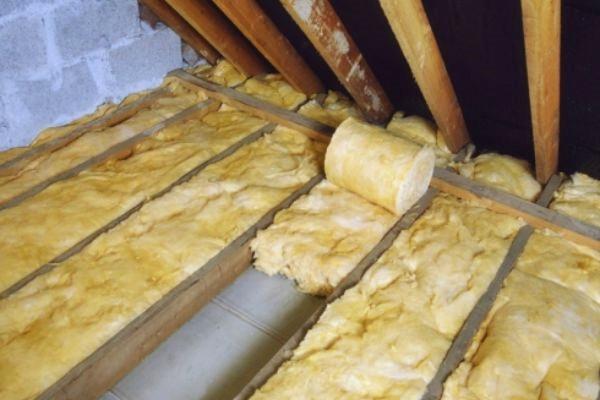 Утепление потолка со стороны чердака в частном доме
