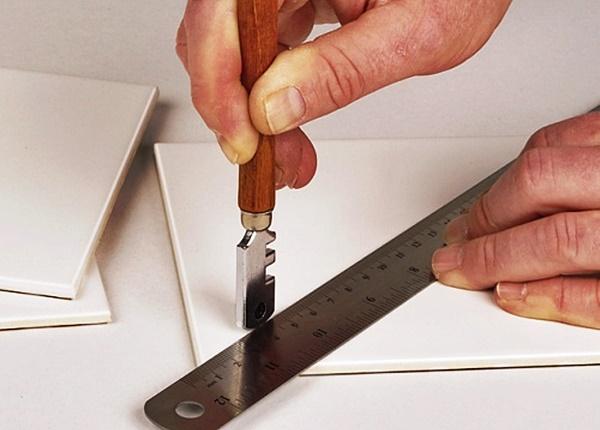Как правильно пользоваться ручным плиткорезом