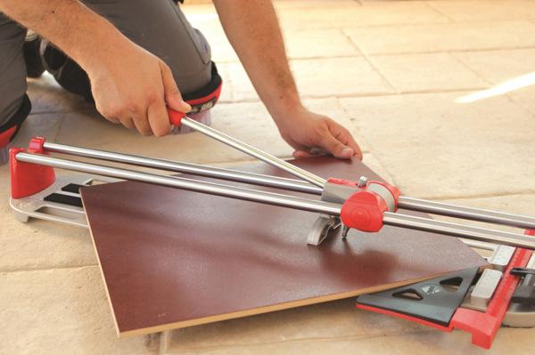 Как пользоваться ручным плиткорезом