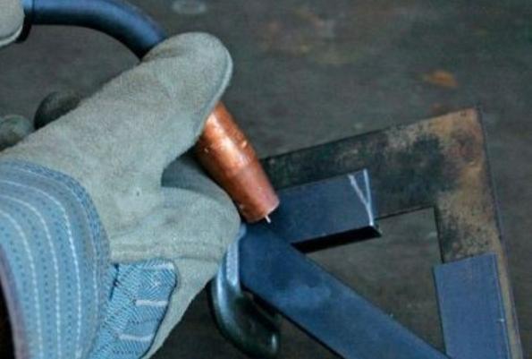 Как сделать струбцину своими руками