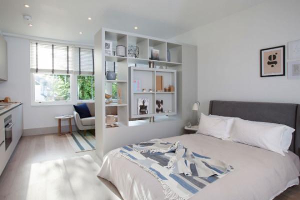 Отделение места для сна от рабочей зоны