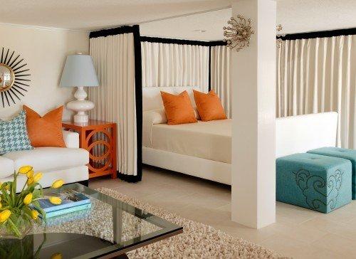Текстильное разделение спальной зоны