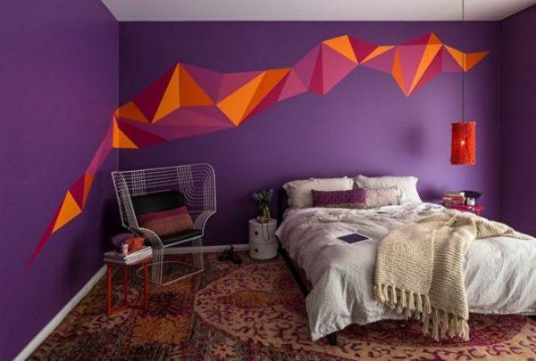 Яркий дизайн обоев в современной спальне