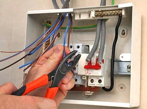 Как правильно сделать расчет сечения провода по потребляемой мощности