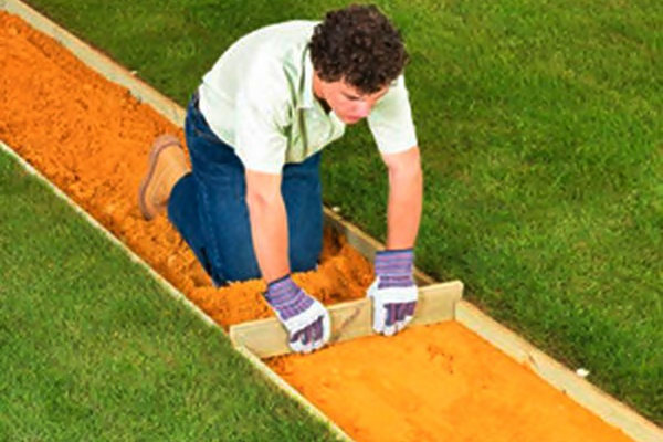 Как сделать садовую дорожку из спилов дерева самостоятельно
