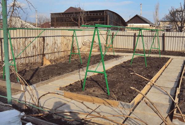 Как сделать опоры для огурцов в открытом грунте
