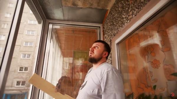 Как обшить балкон вагонкой своими руками