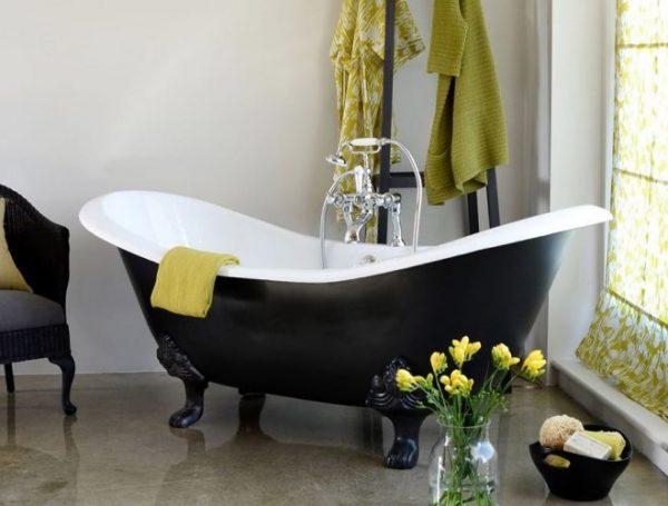 Какая ванна лучше: чугунная, акриловая или стальная