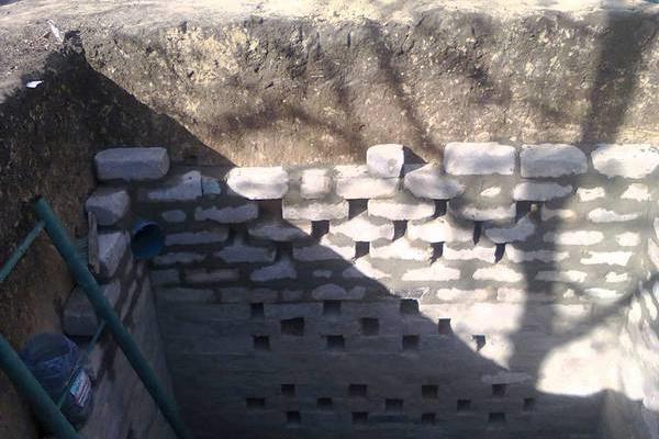 Как сделать выгребную яму своими руками без откачки