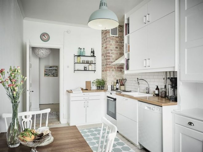Как недорого сделать ремонт кухни своими руками?