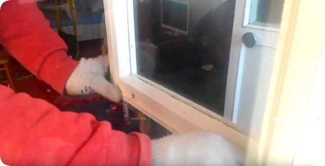 Как утеплить деревянное окно