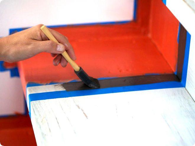 Как покрасить лестницу из сосны