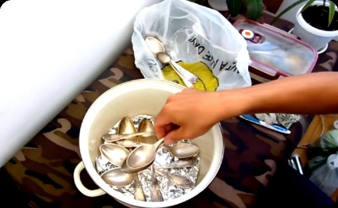 Как почистить мельхиор самому