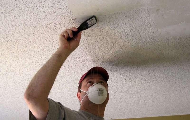 Как покрасить потолок водоэмульсионной краской без разводов