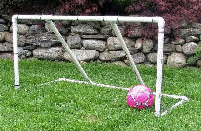 Футбольные ворота из ПВХ-труб своими руками