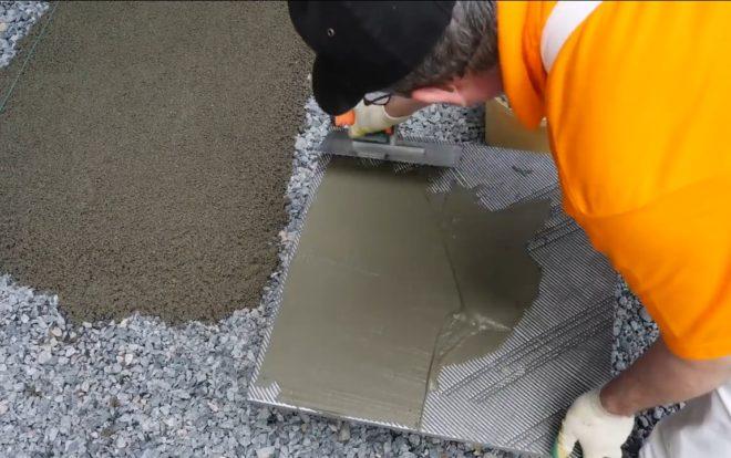 Садовая дорожка из дренажного бетона своими руками - сухая даже после дождя