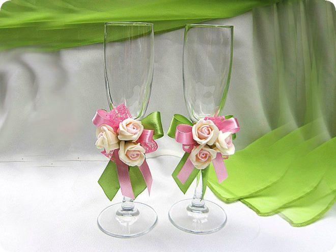 Украшаем свадебные бокалы самостоятельно – оригинальные мастер-классы