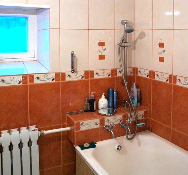 Как красиво и быстро заделать стык между ванной и стеной