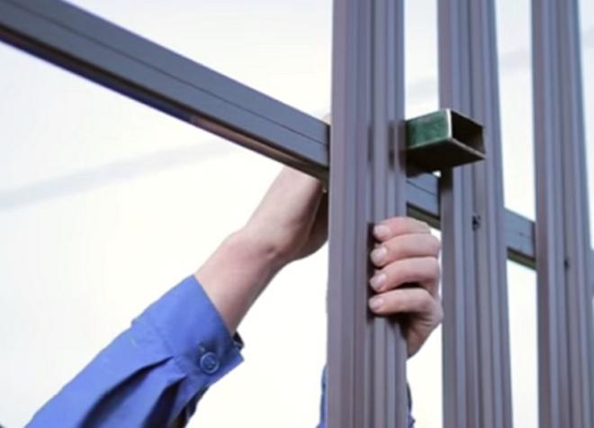 Как сделать забор из евроштакетника ? виды и монтаж - Дача