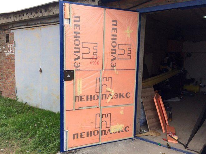 Утепляем ворота гаража изнутри — проверенные способы