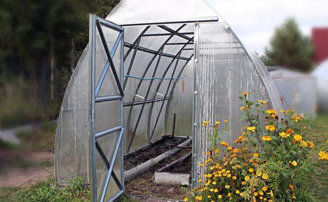 Подготовка теплицы к зиме - осенняя обработка почвы