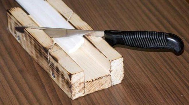 Как сделать рамку для картин из потолочного плинтуса