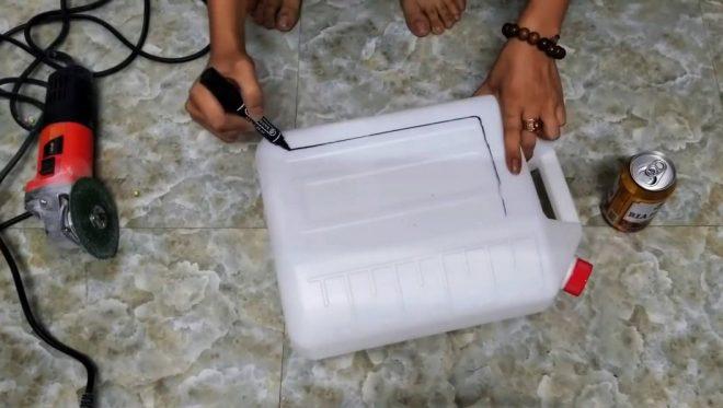Простая мышеловка из пластиковой канистры
