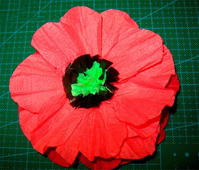 Как сделать цветок из салфеток