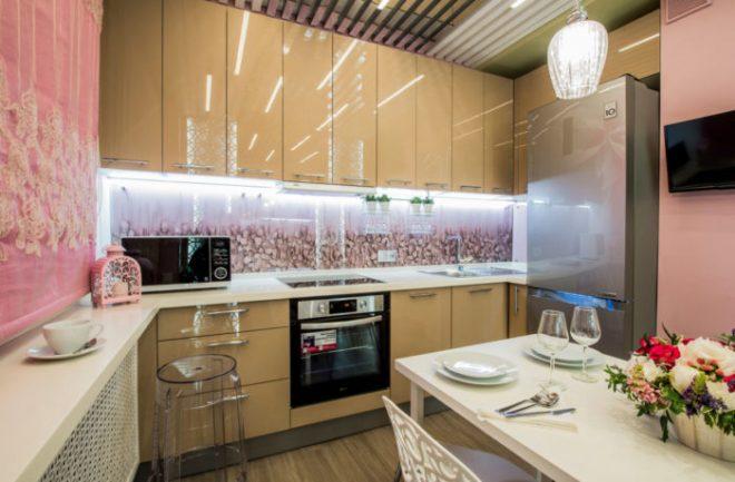 Картинки кухонь с стеклянными фартуками фото