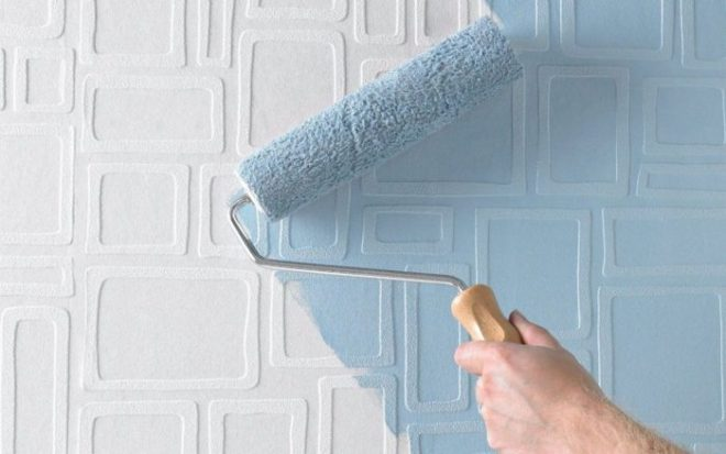 Как правильно покрасить обои: выбор краски и обоев, технология окрашивания