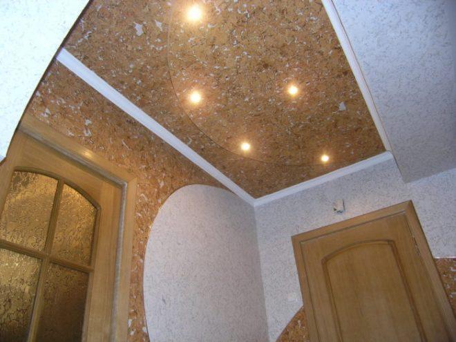 Чем обшить потолок в частном доме дешево и красиво