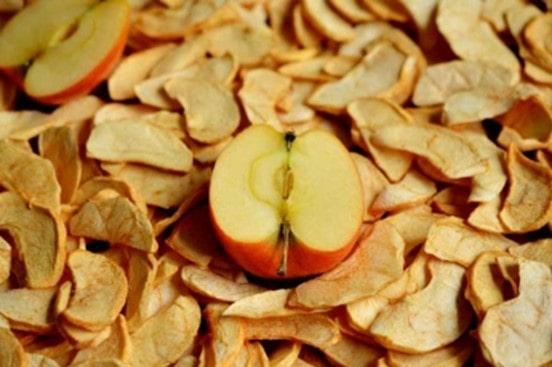 Сушенные яблоки.