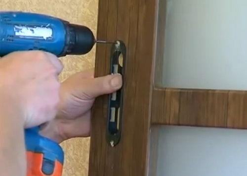 Как установить дверь на роликах своими руками 94