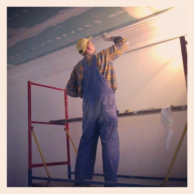 Как сделать светодиодную подсветку по периметру потолка 75