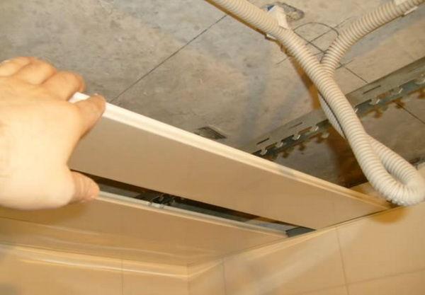 Потолок в ванне из пластика своими руками