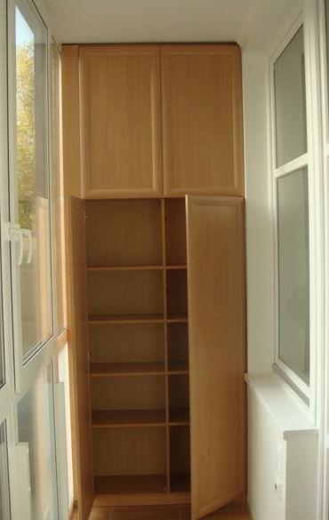 Встроенные шкафы ,полки и тумбочки.